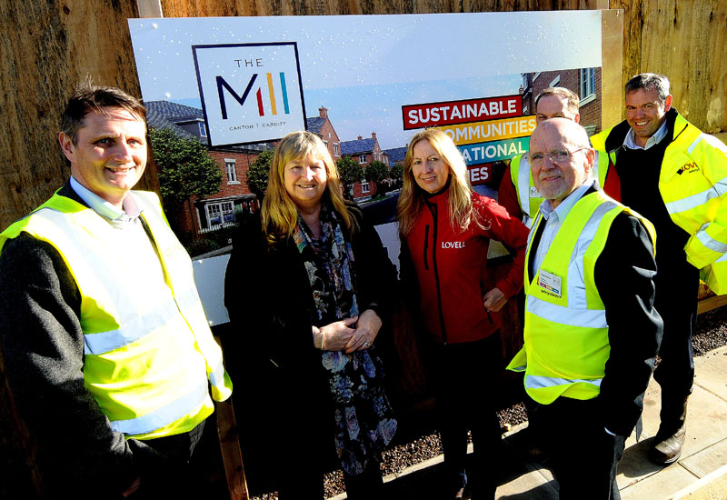 Minister meets young people 'Getting into Construction' in Cardiff