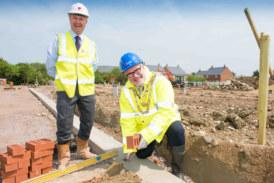 Mayor contributes at new development