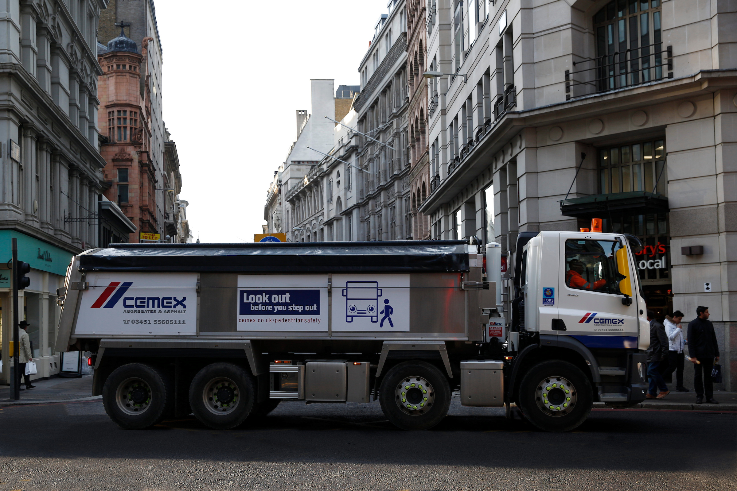 CEMEX UK announces new pedestrian safety campaign