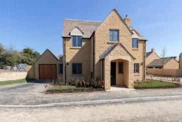 Ariston heats Cotswolds housing development