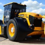 JCB Fastrac tractor sets British speed record