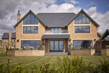 Roofs with a View: Cupa Pizarras' slate used on The View development